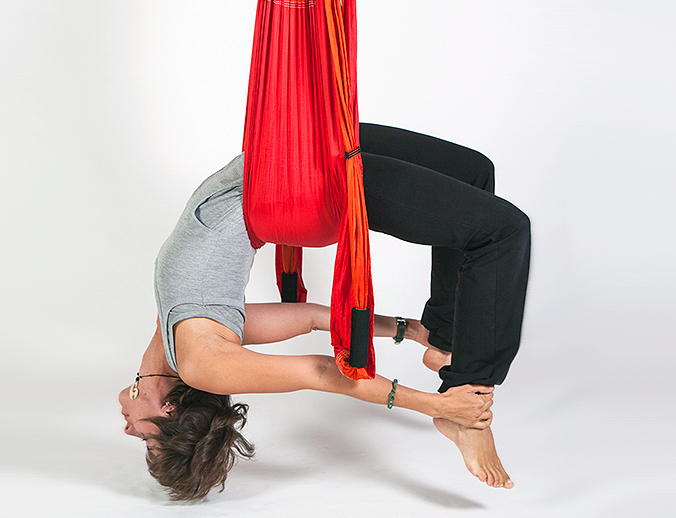 Flying Yoga Classes: Begnins, Nyon - Raison d'Hêtre